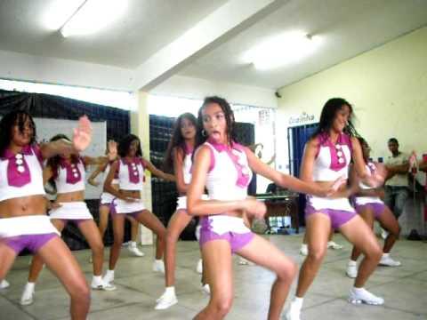 As meninas RKB tirando onda no concurso Parte 2