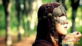 Bahramji & Maneesh De Moor - Crazy Heart