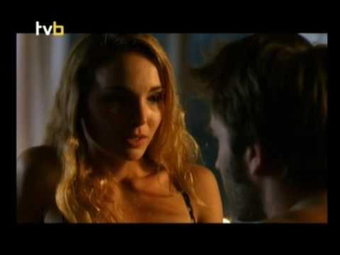 Claire Keim très hot