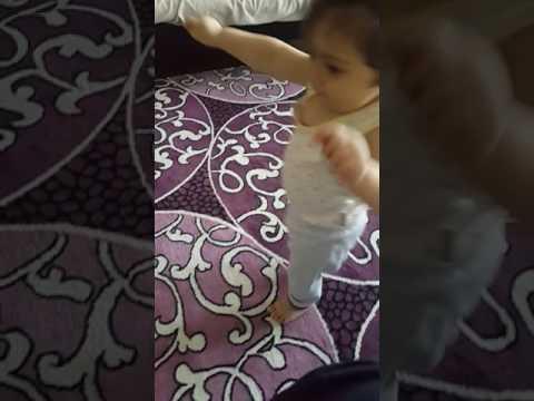 Paytak Paytak yürüyen bebek