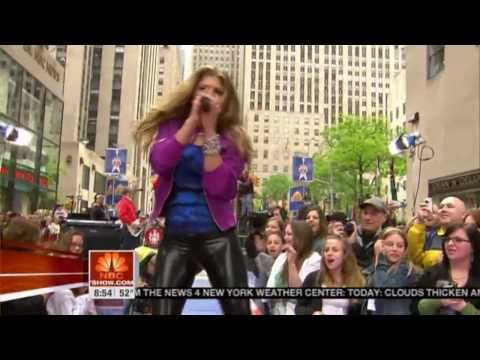 Fergie in tight wetlook leggings HD