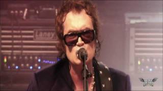 Black Country Communion- Man In The Middle- LIVE OVER EUROPE DVD