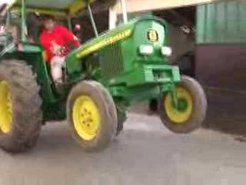trattore john deere impenna 2