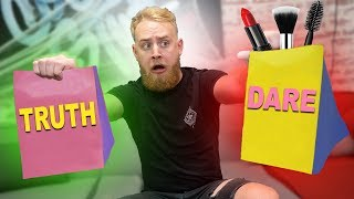 Makeup Truth Or Dare Challenge!