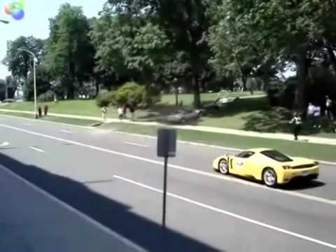 autos de lujo chocados por idiotas