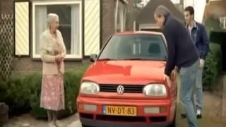 إعلان مضحك شراء سيارة من عجوزة
