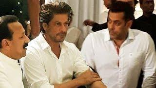 Salman Khan And Shahrukh Khan At Baba Siddique