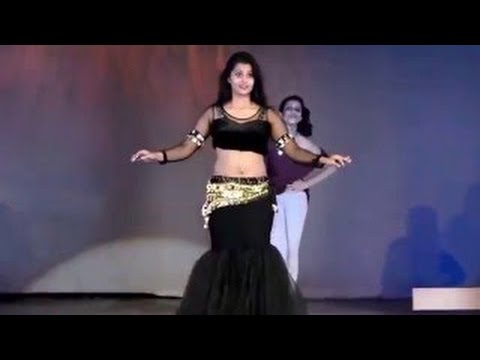 desi hot girl doing dirty dace in bhojpuri song