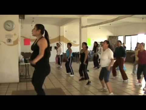 Zumba with Diana 26 weeks Pregnant La ColaLess