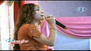 PART 20-NAZAR DEE MATAOOMA (SONG 13)-UROOJ KHAN-BOY DANCE-'MUSAFAR AWARDS SHOW 2010-2011'.mp4