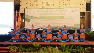 Saman Dance by Chinese Students of UAD