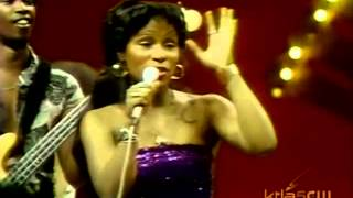 Rufus ft Chaka Khan - Tell Me Something Good (Soul Train 1974)