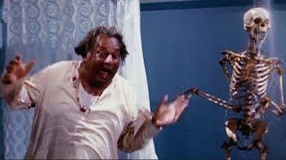 Ghost in the Hotel | Shatrughan Sinha, Deven Verma | Aadmi Sadak Ka - Comedy Scene