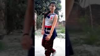 Chalkata humro jawaniya ey raja desi girl hot dance gaon ki ladki ne kiya behtrin dance