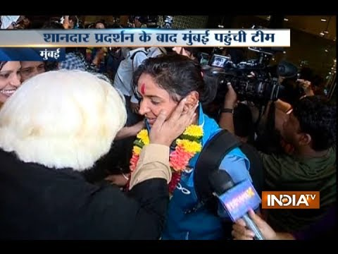 Xxx Mp4 Indian Women S Cricket Team Arrives In Mumbai Welcomed By Fans 3gp Sex