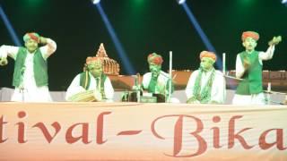 Lal Meri Pat Rakhiyo Bhala Jhoole Laalan