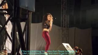 live neha kakkar  favourite song in concert