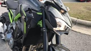 2017 KAWASAKI Z900  Pearl Mystic Gray / Metallic Flat Spark Black