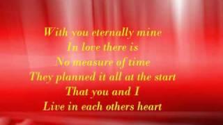 Barbra Streisand - Woman in love (with lyrics)