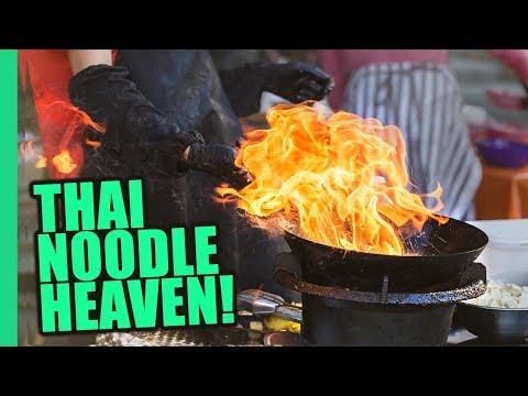 Bangkok's Impossible Pad Thai Noodles Thai STREET FOOD Magic on Bangkok s Michelin Food Street