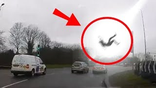 5 Scary Things Caught On Camera By Dash Cam