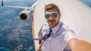 7 Most Mysterious Selfies Ever Taken