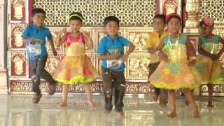Zingat - HD English Medium School Gathering Dance - 2016-17