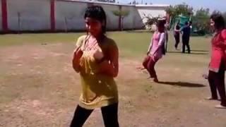 Kanta laga par hottt ladkiyon ka dance hua viral