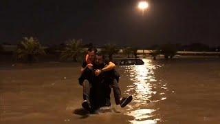 عودة الملاحة الجوية بمطار الكويت بعد فيضانات عارمة وأمطار غزيرة…