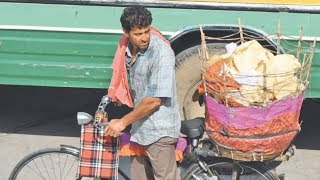 Hrithik Roshan Caught Selling Papad On The Streets For Super 30