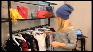 AnnaSophia Robb is picking her outfit for Fashion Week 2014 (Februar)