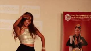 Pooja Sharma hot dance in Dubai, Prem Geet song, Udu Udu Lagcha