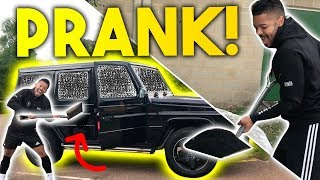 SAVAGE BLACK BITS IN CAR PRANK! F2 PRANK WARS!