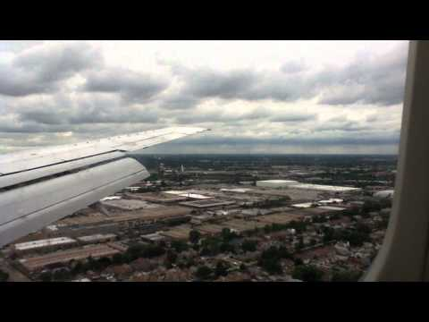 Landing at Chicago Midway Airport KMDW Boeing 737 300
