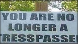 THIS EPIC SIGN WILL MAKE TRESPASSERS THINK TWICE BEFORE GOING ON THIS GUY'S PROPERTY