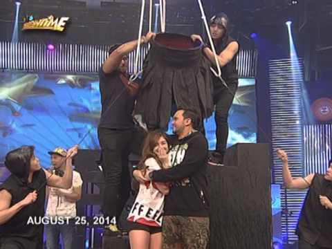 Vhong and Anne accept the Ice Bucket Challenge
