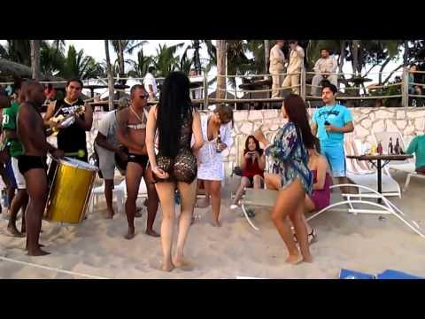 EL BAILE MAS SEXY DEL MUNDIAL BRASIL 2014