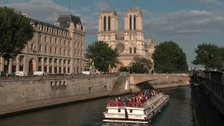 Free Stock Video Download | Notre Dame and Bateau Mouche | Free HD Download