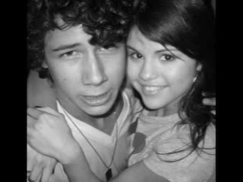 nick jonas and his girls miley cyrus && Selena Gomez