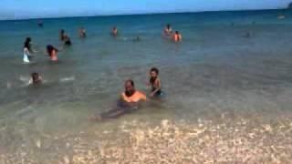 طفل يغرق اباه في البحر