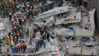Rescuers search for victims after Mexico earthquake