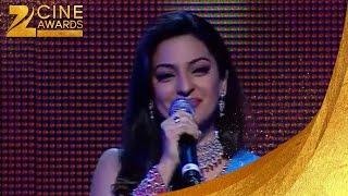 Zee Cine Awards 2005 Juhi Chawala Singing