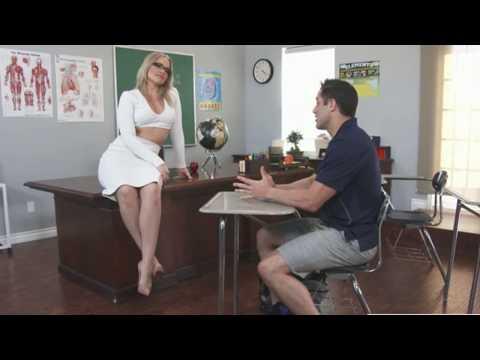 Xxx Mp4 Teacher Student Grades The English Teacher Official Trailer 1 2013 Julianne Moore 3gp Sex