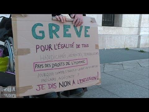 Xxx Mp4 Une Jeune Femme Handicapée à La Recherche D Un Logement Adapté à Marseille 3gp Sex