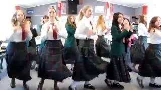 Odoru Ponpokorin - Japanese language learners dance-off