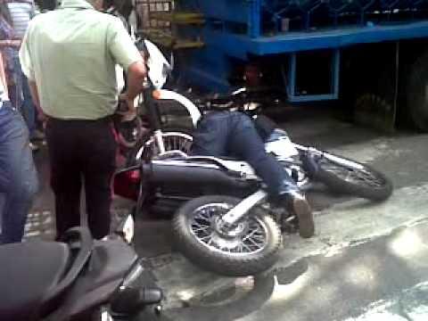 Policía de Caracas frustra robo y mata a delincuente. Av Solano