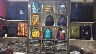 Branded bag on cheap price|Crawford market |Mumbai..