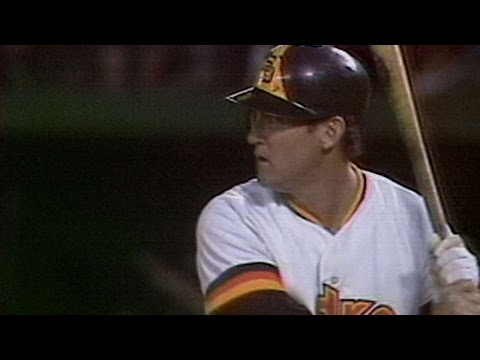 1984NLCS Gm3: Nettles adds to lead with RBI single