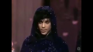 Prince accepting his Oscar for