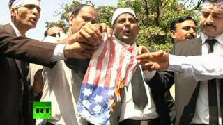 Video: Lawyers protest Islam-insulting film, storm US Embassy district in Pakistan